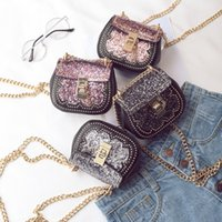 Fashion Girls Sequin Bags Coreano Casual All-match Mulher Mini Bag Cadeia de metal Kids Messenger Bag Kids Sacos de ombro simples C2390