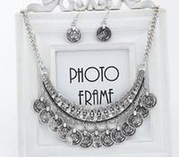 indische goldkragen halskette großhandel-Statement Ketten Vintage Boho Münze Chunky Silber Gold Halsband Choker Halsketten und Ohrringe Antike indische Brautjungfer Schmuck-Sets