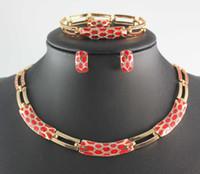 ouro locket china venda por atacado-Banhado A ouro Jóias De Cristal Flutuante Encantos Medalhões Vogue Mulher Colares Pulseiras Brincos Anéis Set Jóias