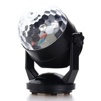 Atacado- Auto LED RGB Stage Light Voz Som Controle Night Lamp USB Battery Power Magic Ball Disco Crystal DJ Club Bar Party Decor