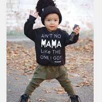 yeşil bebek kıyafeti toptan satış-Bebek Boys Giyim Setleri Giysileri 2 adet Siyah T-Shirt Yeşil Pantolon Takım Elbise bebekler Rahat Mektup Alt Çocuk Çocuk Tees Pantolon Kıyafetler Tops