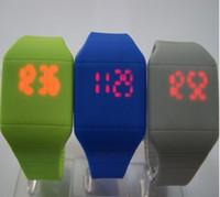 12 ekran toptan satış-Sıcak satış 12 renk yeni Renkli Yumuşak Led çocuklar Dokunmatik İzle Jelly Şeker silikon dijital duygu ekran saatler, ücretsiz kargo 1547