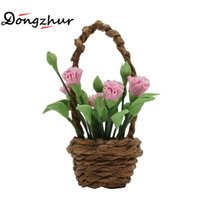 Atacado- Dongzhur Miniature 1:12 Dollhouse Flower Toy DIY Doll House Acessórios para o jardim Mini Model Clay Cute Pink Carnation Flower Basket