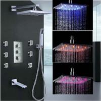 grifo de ducha cuadrado termostático al por mayor-Al por mayor y al por menor Chrome Fomosh LED lluvia cuadrado cabeza de la ducha del grifo válvula termostática masaje jets rociador + ducha de mano