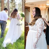2018 Plus Size Beach Abiti da sposa Sheer Tulle Bateau Neck Illusion maniche lunghe in pizzo Appliques Sash Custom Made Abiti da sposa Curvy Brides