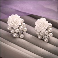Wholesale Pretty Ear Piercings - 2015 Exquisite Bride's Flower Pearl Earrings Fashionable Ear Clips Without Piercing Pretty Wedding Accessory Korean Style