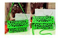 bolsos de cuero tallados al por mayor-Fábrica 2015 Más Nuevo Diseño de la Marca Retro hueco tallado noble de Cuero de LA PU de Las Mujeres bolso de la señora Bolsa de Mensajero Bolsa de Hombro bolsa de asas fluorescente