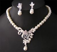 conjuntos de boda de diamantes de perlas al por mayor-Blanco Diamante Perla Collar Pendientes Conjunto de joyas Dama de honor nupcial Joyería fina Vestidos de novia Accesorios Nuevo