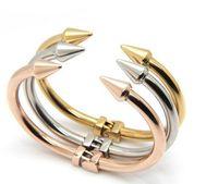 trajes de titanio al por mayor-Punky remaches pulseras de pulsera de cable de acero inoxidable para mujeres hombres puntas de roca titanium pun ¢ o brazaletes brazaletes de bisutería