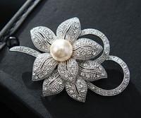 altın vintage altın toptan satış-Vintage Bak Beyaz Altın Temizle Rhinestone Kristal Diamante Krem Inci Merkezi Çiçek ve Yay Düğün Buket Broş