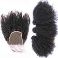 cierre de pieza libre mongol al por mayor-Extensión rizada del pelo rizado Afro con el cierre libre de la parte Pelo virginal rizado de la Virgen mongola 3Bundles con el encierro 4x4 del cordón