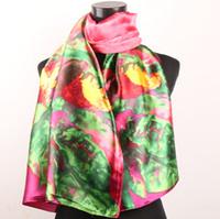 yağlıboya yaprakları toptan satış-1 adet Kırmızı Altın Çiçekler Yeşil Yapraklar Sıcak Pembe kadın Moda Saten Yağlıboya Uzun Wrap Şal Plaj Ipek Eşarp 160X50 cm