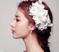 diadème fait des fleurs achat en gros de-En stock 2015 strass tiara couronnes coiffure nuptiale faite à la main fleurs cristaux bandeau accessoires de mariage