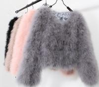 media xl al por mayor-10 colores de moda sexy avestruz lana de piel de pavo 2017 abrigo de lana de plumas chaqueta corta de piel angelababy dongguan_wholesale en stock
