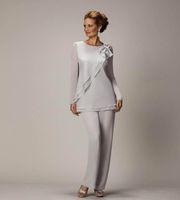 şık gümüş şifon toptan satış-Gelin Damat Boncuklu şifon Düğün Abiye Giyim Balo Elbise Annesi İçin 2020 Zarif Plus Size Gümüş Anneler Pantolon Suit