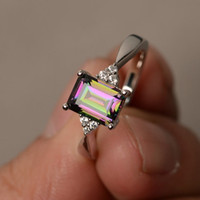 Exquisite Frauen 925 Sterling Silber Ring Prinzessin Cut Mystic Rainbow Topaz Engagement Diamant Schmuck Weihnachten Geburtstag Vorschlag Geschenk Hal