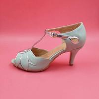 imágenes de sandalia al por mayor-Imagen real de la boda de la vendimia zapatos de la sandalia para las mujeres hechas a mano 3.5 pulgadas gatito talones T-correa cubierta talón zapatos nupciales US4-US14 Lady Sandals
