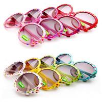 bebek plastik güneş gözlüğü toptan satış-Çocuklar Plastik Çerçeve Güneş Gözlüğü Bebek Erkek Kız Noktalar Yuvarlak Shades Gözlük 8 Renkler Ücretsiz kargo Drop Shipping