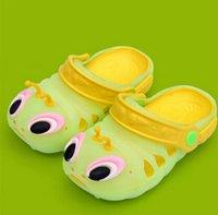 Wholesale Slipper Caterpillar - Wholesale-2015 Children's hole hole shoes boy girl baby caterpillar jelly shoes baotou summer cool slippers caterpillar worm