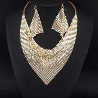 hint düğün kolye setleri toptan satış-Hint Chic Stil Shining Metal Dilim Önlüğü Gerdanlık Bildirimi Kolyeler Eşleşen Küpe Parti / Düğün Moda Takı Setleri # 3056