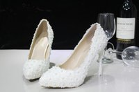 2015 Новое прибытие Ivory Pearls Lace Bridal Wedding Shoes 5CM или 11CM Stiletto High Heels Pointed Toe Бесплатная доставка WS2