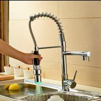 ingrosso lavandini di lusso-All'ingrosso e al minuto di lusso in ottone cromato rubinetto della cucina LED becco girevole spruzzatore nave lavello miscelatore rubinetto singolo manico