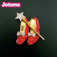 roter schuhstift großhandel-40mm * 40mm Gold Tone Crystal Red Schuhe mit hohen absätzen Brosche Kristall Strass Bogen und Stern Revers Pin Für Frauen