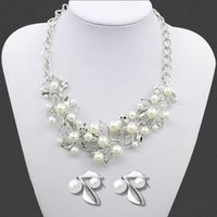 ingrosso orecchini di modo dei monili occidentali-2016 Fashion Western Leaf tipo di collana di perle orecchini gioielli donna maglione di cristallo strass collana catena regalo di nozze