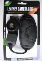 deri dslr fotoğraf makinesi kayışı toptan satış-Yüksek Kalite PU Deri Yumuşak El Kavrama Bilek Kayışı için Nikon Canon Sony SLR / DSLR Kamera w / perakende kutusu