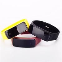 сенсорные силиконовые светодиодные часы оптовых-Модные спортивные светодиодные часы Candy Color Силиконовая резина с сенсорным экраном Цифровые часы Браслет Наручные часы