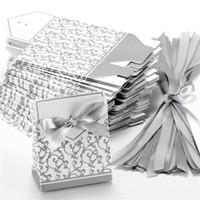 altın kağıtlar toptan satış-Şerit Düğün Şeker Kağıt Kutusu Yaratıcı Altın Gümüş Kurdele Düğün Iyilik Parti Hediye Şeker Kağıt Kutusu 10 Adet Kutuları Şekerleri Favor Kutuları