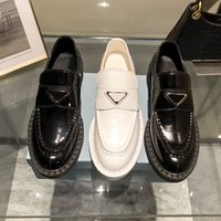 The latest luxury Designer Dress Flat women casual shoes low-top 100% leather Metal buckle Black white Size 35-40