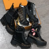 World Tour Desert Boot Women Designer Boots Platform Boot 100% Real Leather Spaceship Ankle Boots 5cm Heel flamingos medal Winter Boots with Box