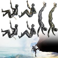 Retro Rock Climbing Figures Sculpture Pendant Home Bar Wall Hanging Decoration Creative Resin Extreme Sport Muscle Man Statues Ornaments
