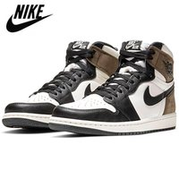 Jumpman Air jordan 1 Basketball Shoes Athletics Travis Scott x Sneakers Running Shoe For Women Sports Torch Hare Royal Pine Green Court Without Box 36-47