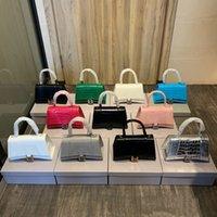 2021 latest hourglass Bags Catwalk style Designers Womens Handbags Purses Classic high-end hardware Shoulder Bag two sizes, multi-color optional Tote Handbag