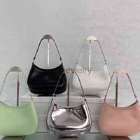Evening Bags handbag Shoulder strap High quality fashion women travel toilet pouch cosmetic organizer make up famous classical toiletry with dust