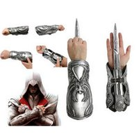 Alta calidad NECA Assassins Creed Hidden Blade Hermandad Ezio Auditore Gauntlet Réplica Cosplay regalo de Navidad con la caja original