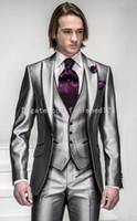 лучшие стили смокинга оптовых-Новый стиль одна кнопка блестящий серебристо-серый жених смокинги друзья жениха мужские свадебные костюмы Best man костюмы (куртка + брюки + жилет + галстук) БМ: 925