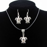 Fashion One Set Retro Style Antiguo Prata Alloy Turtle Pendant Dangle Earrings Cera Cotton Cord Necklace