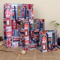 Wholesale Christmas Gift Wrap Sale - England Style Paper Gift Bag Christmas Festive Gift Favors Art Decor Hand Bag Souvenir Color Gift Wrap HOT Sale SD780