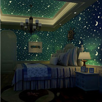 Non tessuto Luminoso Wallpaper Roll Stars e il Moon Boys e ragazze Camera per bambini Camera da letto Soffitto Fluorescente Home Wallpaper