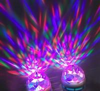 e27 otomatik 3w dönen rgb led toptan satış-3 W E27 B22 RGB LED Ampul LED Kristal Spotlight Işık AutoVoice 360 derece Dönen Sahne Etkisi DJ lamba mini Perakende Kutusu ile Sahne Işık