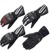 guantes blancos largos y calientes al por mayor-2016 Nuevo KOMINE GK-795 estilo largo guantes de motocicleta de fondo A prueba de viento caballero montando guante y mantener caliente en invierno negro rojo blanco
