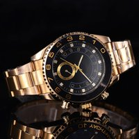 Wholesale Crown Brown - Swimming submarine 44 mm top luxury brand sports people quality men's watch quartz watch in 16233 Look at the crown watch