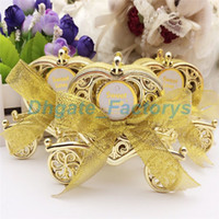 Wholesale Carriage Wedding Favours - Love Carriage Wedding Box Party Favours Gift Candy Chocolate Box Gold and Silver Box for Wedding Baby Birthday Party