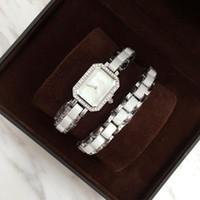 aufsteigende kunst großhandel-2017 quadratische Marken-Frauen-Uhr-Luxusuhr-klassische Quarzrosagold / silberne Farben-Kleid-Uhr-Armband-Armbanduhr spezielle Art geben Schiff frei