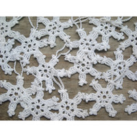 Wholesale Hand Decorated Christmas Ornaments - Hand-crocheted white snowflakes decorate Christmas ornaments Santa Claus decoration products 100% Cotton 12   per pack sd33