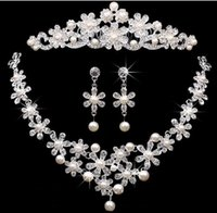 Wholesale jewelry crown price - Bridal Accessories Tiaras Hair Necklace Earrings Accessories Wedding Jewelry Sets cheap price fashion style bride hair dress