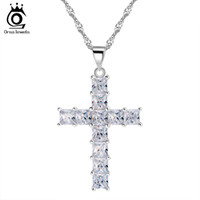 Wholesale Lady Princess Wholesale - Luxury Cross Pendant Necklace made of 11 Pieces Princess Cut Cubic Zirconia Necklace Pendant for Ladies and Women ON100
